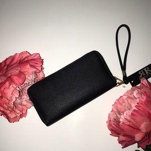 Handbags - NWT Black and gold wallet